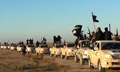 تنظيم داعش الإرهابي يعدم 12 مسلماً اعتنقوا المسيحية من بينهم طفل