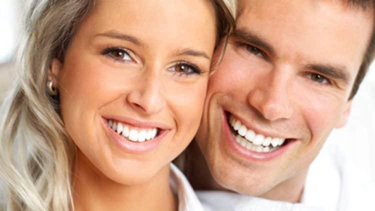 وصفات منزلية طبيعية لتبييض الأسنان