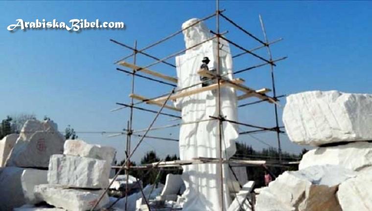 صور أكبر تمثال للسيد المسيح في القارة الأفريقية