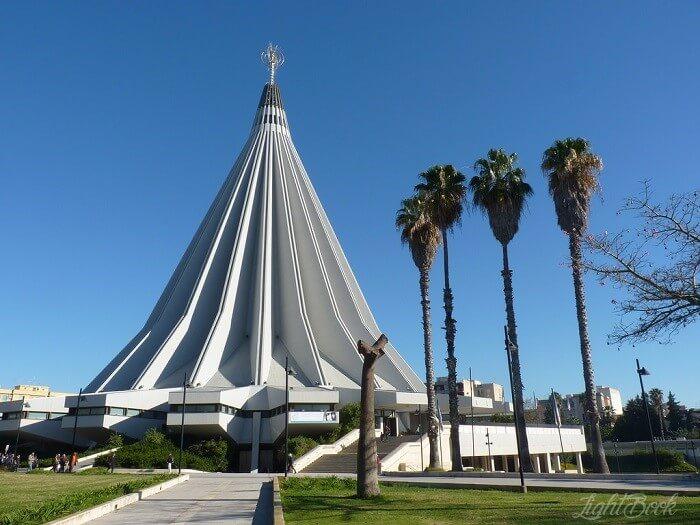 églises dans Le Monde-2