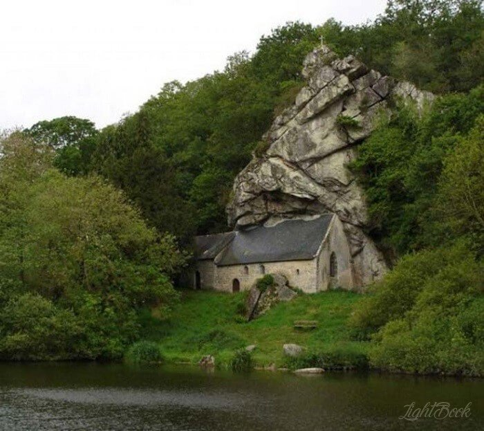 The Most Beautiful and Unusual Churches In The World-30